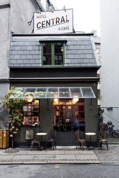 Hotel Central & Café in Copenhagen - The world smallest hotel (just 1 room, a toilet and 5 places for customers at the Café!)