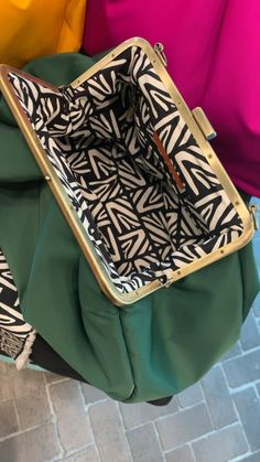 Bright Green Textile Clutch with signature patterns by Anni Teriani. Gift idea for her. Clutch Bag Pattern, Diy Clutch, Clutch Bags, Leather Handbags, Leather Totes, Leather Bags, Leather Purses, Diy Bags Purses, Diy Handbag