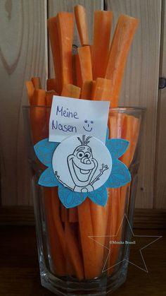 Planst Du eine Eiskönigin-Party? Dann ist das hier eine schöne Deko-Idee für Dein Essen. Weitere Ideen für Deinen Kindergeburtstag findest Du auf blog.balloonas.com