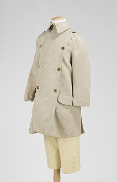 Boy wear of the 1910s mirrored menswear as shown in this boy's linen suit.