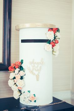 There is much to love about this modern city wedding, which is full of style and personality. Wedding Card Post Box, Money Box Wedding, Wedding Gift Boxes, Wedding Cards, Wedding Gifts, Wedding Guest Table, Pallet Wedding, Diy Wedding Decorations, Wedding Themes