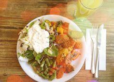 Zeig deinen Hunger. Im tibits hat jeder die volle Wahl mit über 35 warmen Speisen und kalten Salaten. Oder darfs lieber eine Suppe, ein Sandwich oder ein feines Dessert sein?