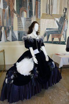 "Dress from ""Italiana in Algier"" Photo: Elena Dolgova (Jelena Fiala) Vienna Austria, Textile Design, Textiles, Photo And Video, Illustration, Instagram, Dresses, Fashion, Vestidos"