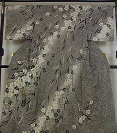 Japanese silk houmongi Shidare Sakura by OGINCRAFT on Etsy https://www.etsy.com/transaction/1458238089