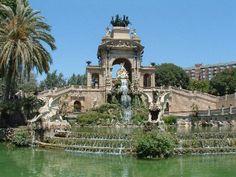 Parc de la Ciutadella en Barcelona... Hay un Arc de Triomf como lo de Paris.