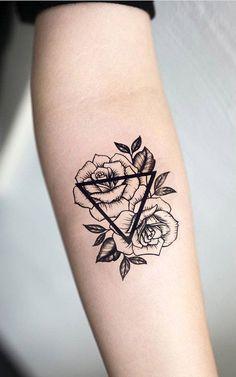 Geometric Roses Forearm Tattoo Ideas for Women - Small Triangle Flower Arm Tat - rosas negras contorno del tatuaje del antebrazo - www.MyBodiArt.com #tattoos
