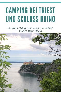 Triest ist immer eine Reise wert. Noch bis Mitte Oktober ist das Camping Village Mare Pineta geöffnet. Von dort lohnen sich Ausflüge nach Triest zum Shoppen, Kaffee trinken und zu einer Stadtbesichtigung bis hinauf zur Festung. Direkt vor dem Campingplatz fährt ein Bus. Oder eine Bike-Tour im Umland. Oder eine wunderschöne Wanderung entlang des Rilke-Wegs bis zum Schloß von Duino. #camping #triest #italien #schlossduino #wohnmobil-reise Trieste, Beach, Bike, Outdoor, Forts, Campsite, Italy, Viajes, Drinking Coffee