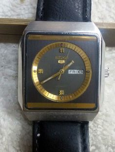Vintage Seiko 5 Automatic Day-Date 17-Jewels Men's Wrist Watch AS-08