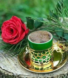 Coffee Vs Tea, Coffee Gif, Coffee Love, Coffee Shop, Coffee Cups, Tea Cups, Brown Coffee, Good Morning Coffee, Breakfast Tea