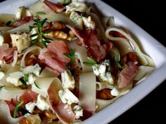 Caprese Salad, Pasta Salad, Pasta Dishes, Pizza, Meat, Chicken, Ethnic Recipes, Food, Places