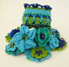 Crochet Bracelet Cuff Bracciale polsino di AmarantaBeads su Etsy #crochet #bracelet #madeinitaly #cuff #bohostyle #uncinetto