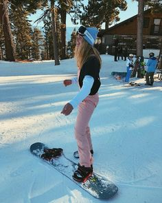 Snowboarding Girl Fashion Snowboarding – Famous Last Words Burton Snowboards, Fashion Week, Girl Fashion, Ski Fashion, Arab Fashion, Sporty Fashion, Sporty Chic, Sporty Outfits, Winter Fashion