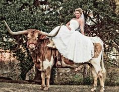 Former UT cheerleader and Shotgun, the Longhorn. I love her wedding attire!