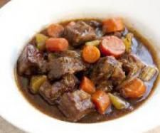 What's for dinner? Try this Slow Cooker Beef Stew recipe. Simmered in beef broth and red wine for hours, this fall dinner is perfect to add to your slow cooker recipes. It's hearty and comfort food at it's finest. Guinness Stew Recipe, Guinness Beef Stew, Recipe Stew, Biryani, Korma, Carne En Trocitos, Slow Cooker Beef, Beef Recipes, Soup Recipes