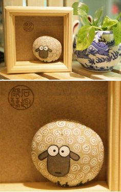 A rock sheep. Well, we know Big Horn Sheep climb on rocks but here's a sheep MADE from a rock. Stone Crafts, Rock Crafts, Diy And Crafts, Arts And Crafts, Crafts With Rocks, Simple Crafts, Pebble Painting, Pebble Art, Stone Painting