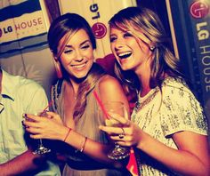 Lauren Conrad and Lo Bosworth. the best. Laguna Beach, Life Is Beautiful, Beautiful People, Perfect People, Gorgeous Women, Lauren Conrad Style, Love Lauren, Best Friendship, Best Friends Forever
