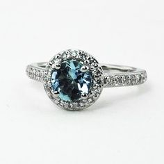 Isn't this Engagement ring Amazing?