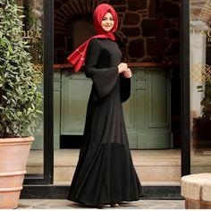 Vee.. Assolistler gibi siyah rengimiz de en son geldi�� Pınar şems Volan Elbise.. Sadelikten yana olanlar için Fiyat: 245 tl. Beden :36-38-40-42 . WhatsApp 05336844266 ��Mağazamızdan,(Denizbank yanı) veya, sitemizden:  www.elifmoda.com ���� ���� veya DM.ile@pinarsems_kirikkale ve @elifmoda_com instagram hesaplarindan , veya . ���� WhatsApp: 05336844266 ☎☎Mağaza: (0318) 5001050  numaralarindan iletişime geçebilir , sipariş verebilirsiniz.��,�� . ��Ücretsiz aynı gün kargo���� ��Kapıda ödeme…