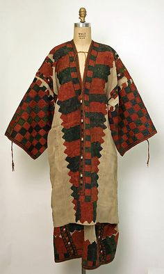Cotton dress from Karpathos, Dodecanese, Greece.18th century. © The Metropolitan Museum of Art [http://europeanafashion.tumblr.com/post/81376370460/cotton-dress-h-1-405-m-karpathos-dodecanese; http://www.filepmotwary.com/motwary/2013/11/27]
