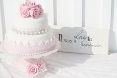 Wedding cake and matching serving tools. It was a day to remember. Pretty Wedding Cakes, Pretty Cakes, Beautiful Cakes, Amazing Cakes, Cake Wedding, Edible Creations, Cake Creations, Mini Cakes, Cupcake Cakes