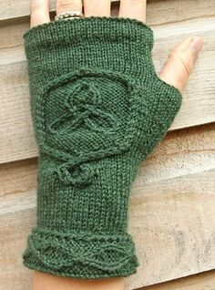 think I'm going to frogg my last glove attempt and make these in stead:)
