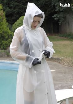 Gotta tighten me belt Vinyl Raincoat, Pvc Raincoat, Plastic Raincoat, Plastic Pants, Hooded Raincoat, Rain Fashion, Women's Fashion, Transparent Raincoat, White Trench Coat