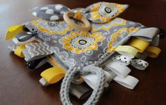 Set of Yellow & Gray Patchwork Sensory Blanket by happyjourneys Sewing Toys, Sewing Crafts, Sewing Projects, Sewing Ideas, Crochet Projects, Sensory Blanket, Sensory Book, Fiddle Toys, Fidget Blankets