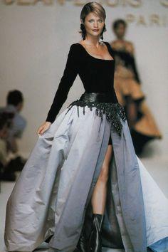 1994-95 - Jean Louis Scherrer Couture show - Helena Christensen jaglady