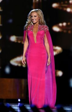 Grace Burgess lit up the Miss America 2017 stage in this bright fuchsia evening gown! Grace made her home state of Tennessee proud as she finished in the Top 10.