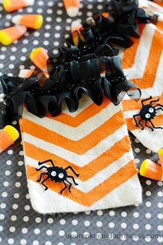 Halloween Treat Bags with DecoArt paint & stencils! These are so cute!