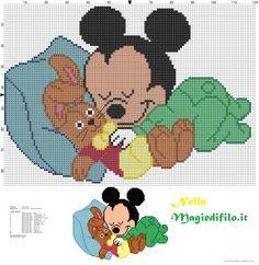 Baby Topolino che dorme con coniglio di stoffa - schemi punto croce gratis