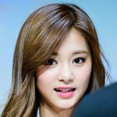 [170222] fanmeeting . #twice #tzuyu #iranianonce #idol #perfect #actor #smile #sana #dahyun #korean #kpop #love #mina #momo #music #nayeon #nice #cute #chaeyoung #jeongyeon #jihyo #kingdom #queen @twicetagram