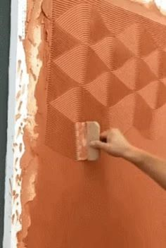 Here's how to make repairs in your apartment - Animated GIF Stencil Decor, Stencil Painting, Texture Painting, House Painting, Art Decor, Wall Texture Design, Wall Design, Starting A Coffee Shop, Roller Design