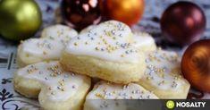 Karácsonyi citromos keksz recept képpel. Hozzávalók és az elkészítés részletes leírása. A karácsonyi citromos keksz elkészítési ideje: 25 perc Breakfast Recipes, Dessert Recipes, Hungarian Recipes, Xmas, Christmas, Biscuits, Food And Drink, Sweets, Cheese