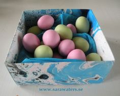 Box of Easter sweets /Sara Waters