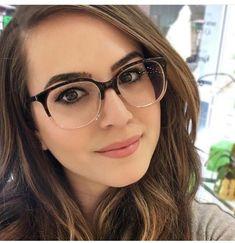1955906c0 As melhores ideias em óculos de grau feminino para mulheres de todos os  estilos. #