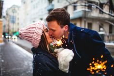 Wedding photography for photographers couple photo poses ideas Photo Poses For Couples, Couple Picture Poses, Couple Posing, Couple Pictures, Couple Ideas, Old Photography, Couple Photography Poses, Winter Photography, Wedding Photography