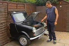 Bahçede mangal yaparken araba kullanmak kimin aklına gelirdi ki?