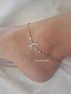 Silver dragonfly anklet (Adjustable), Silver dragonfly jewelry, Little silver dragonfly anklet, Silver dragonfly anklets Ankle Jewelry, Ankle Bracelets, Cute Jewelry, Jewelry Crafts, Silver Jewelry, Waist Jewelry, Dragonfly Jewelry, Dragonfly Tattoo, Anklet Designs