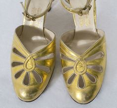1920s clothing at Vintage Textile: #7079 Deco gold shoes