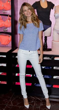 Behati Prinsloo Introduces New Victoria's Secret T-Shirt Bra!: Photo Behati Prinsloo holds up the new Victoria's Secret T-Shirt Bra held at Victoria's Secret Herald Square on Tuesday (February in New York City. Behati Prinsloo, Modelos Victoria Secrets, Adam And Behati, Victoria's Secret, Vs Models, T Shirt Bra, Classy Women, Couture, Fashion Show
