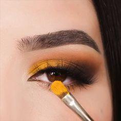 makeup golden makeup eye shape makeup remover mary kay makeup kit price eye makeup tutorial makeup kajal is the best eye makeup makeup over 50 Fancy Makeup, Makeup Eye Looks, Eye Makeup Steps, Crazy Makeup, Eyeshadow Looks, Glam Makeup, Simple Makeup, Fall Eyeshadow, Silver Eyeshadow