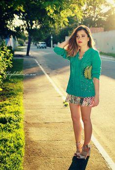 NO LOOK VESTIDO DE ONÇA + SWEATER GREEN - Ligada na Moda