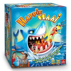 Haal je vissen snel binnen voordat Happie Haai ze bijt! Door de snelheid en spanning die bij dit spel komt kijken hebben de kinderen urenlang speelplezier. Zie hoeveel vissen jij moet vangen door de dobbelsteen op de gooien en haal ze snel binnen! Pas op voor Happie Haai, wanneer hij ze bijt ben je alles kwijt! Afmeting: verpakking 27 x 27 x 9 cm - Happie Haai