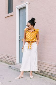 All about breaking fashion rules. Wearing White On Labor Day or after Labor Day. Office Outfits, Office Wear, Casual Outfits, Casual Office, Casual Wear, Office Uniform, Stylish Office, Western Outfits, Western Wear