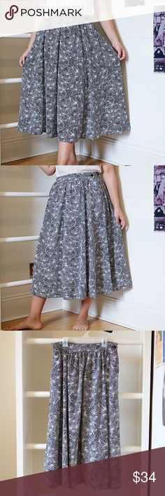 b5ca67e2d3f Vintage black white print midi skirt A super cute and classic fit black  lightweight white vintage