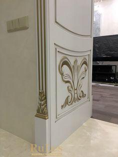 Портал с декорами в желтом золоте #межкомнатныедвери #рулес #дизайн #декор #интерьер
