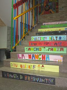 Nuestra escalera del Quijote y Cervantes http://conlapizyteclas.blogspot.com.es/2016/04/nuestra-exposicion-de-caballeros.html