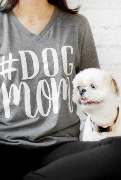 #dogmom Tee by The Dapper Paw
