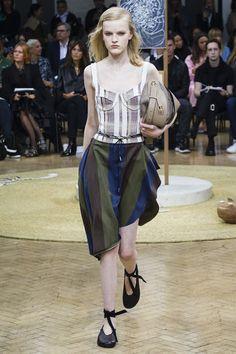J.W Anderson SS18 #london #londonfashionweek #thepinkpineappleblog #fashion #runways #style #readytowear #fashionweeks #jwanderson  #fashionart
